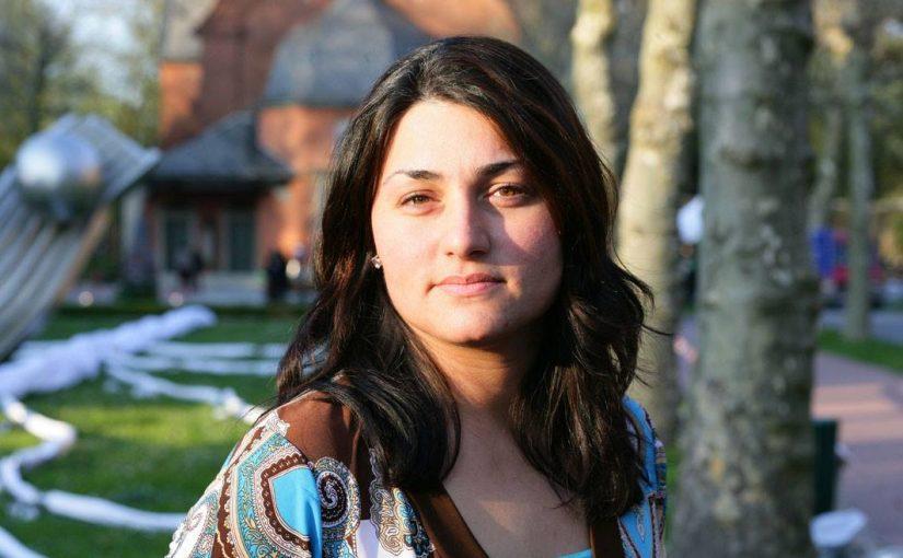 """""""Wir müssen das jetzt versuchen"""". Ein Interview mit Lamya Kaddor."""